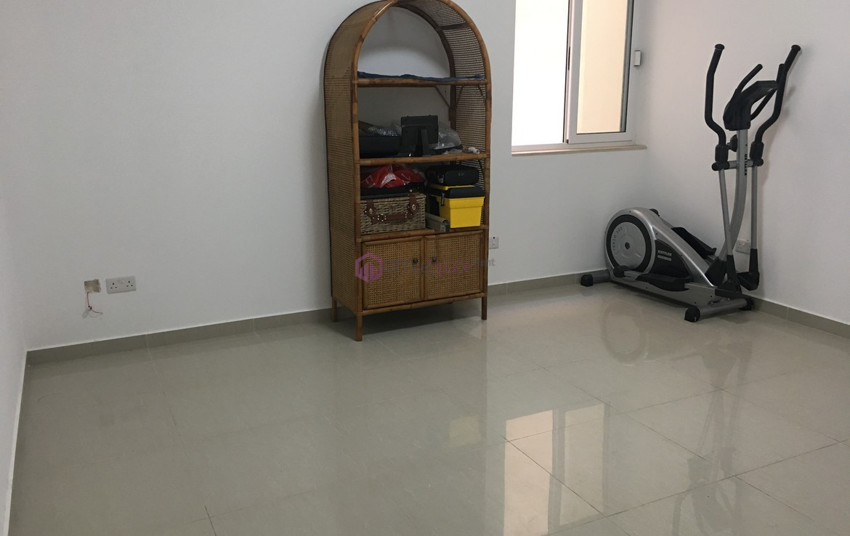 1 Office Room in Naxxar To Let