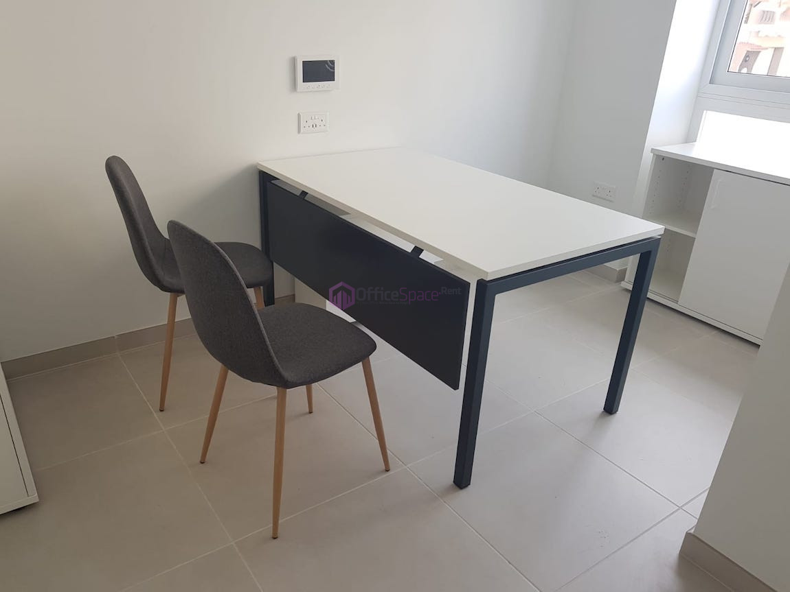 Small Office In Naxxar To Let